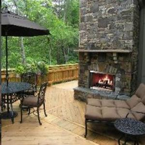 Montana Wood-burning Outdoor Fireplace